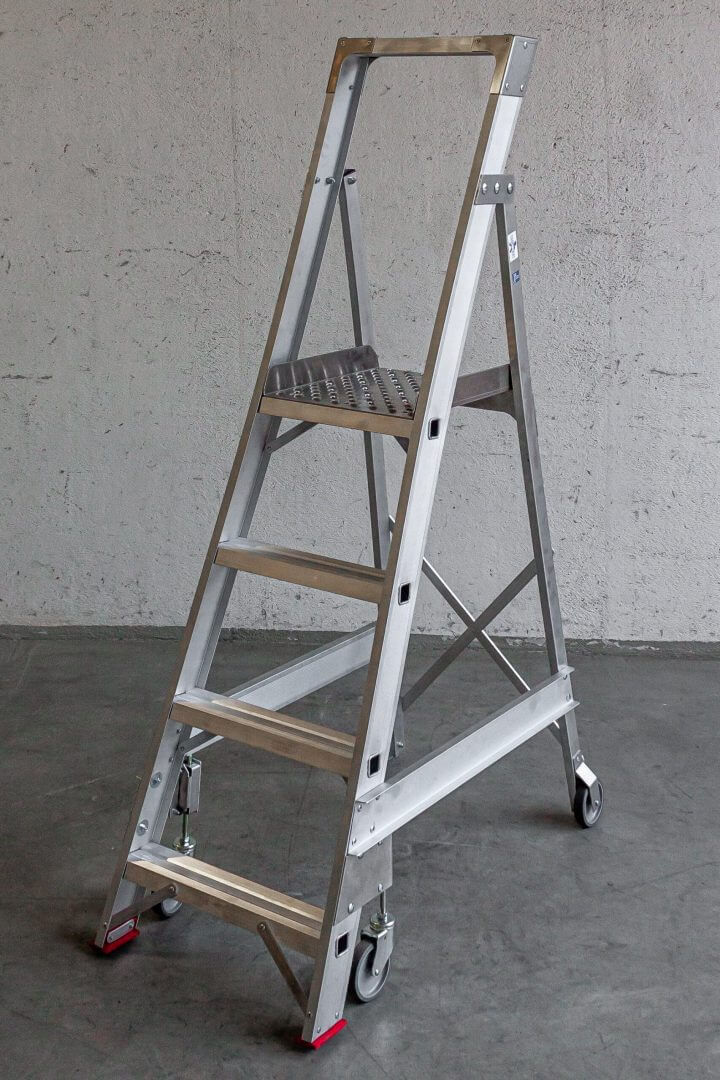 Small storage ladders - Suomi-Tikas Oy